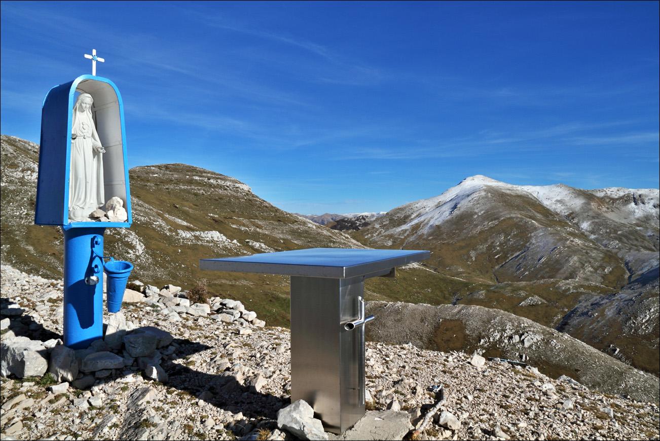 Forum dei monti ernici leggi argomento un classico for Cabina di montagna grande orso